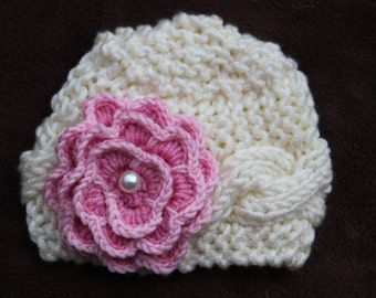 Ivory baby girls Hat. Newborn knit hat. Knitted newborn hat. Baby girls knitted hat. Flower hat. Crochet baby girls hat. For age 0-12 month