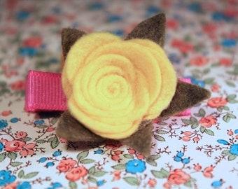 wool felt flower clip