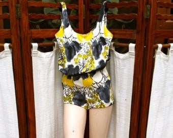 BATHING SUIT VINTAGE 1950s?