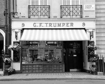 London Photography, Black and White, Barber, Fine Art Print, British Decor, Barbershop, Bathroom Decor, Office Decor, Home Decor, Wall Art