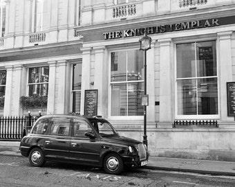 London Photography, Black Cab, Black and White, Fine Art Print, London Pub, Travel Photo, Pub Decor, London Decor, Wall Art, Home Decor