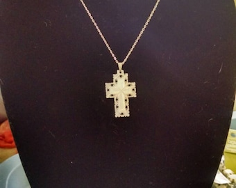 Mother of pearl cross pendent necklace