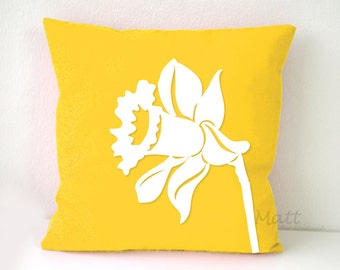 Daffodil pillow Cover, white daffodil pillow case, daffodil cushion cover, Wall Decorative pillow, Throw pillow