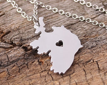 I heart Ireland Necklace - Ireland Pendant - Ireland Map Charm - Ireland Map necklace - Map Jewelry