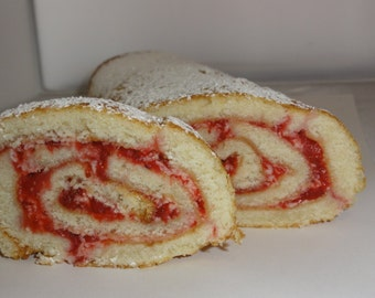 1 lb strawberry buttercream cake roll, starwberry cake , sponge cake, holiday  pastries,strawberry buttercream