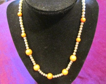 "Vintage Pearl 18"" Necklace with salmon colored beads--fun and flirty!"