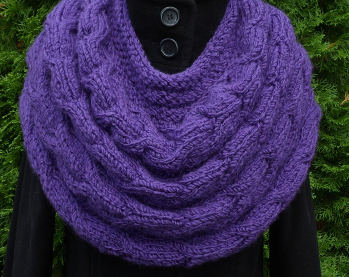 Knit Women Purple Capelet, Purple Loop scarf, Shoulder Warmer, Neck warmer, Spring Accessories, Hand knit Little poncho, Mother's day gift