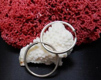 Medium Vintage Sterling Silver Hooped Earrings (6.5 grams)