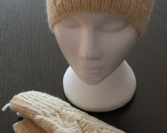 Hand knit adult hat and texting mittens can also be made to full Mits made in a color of your choice warm 100 % wool