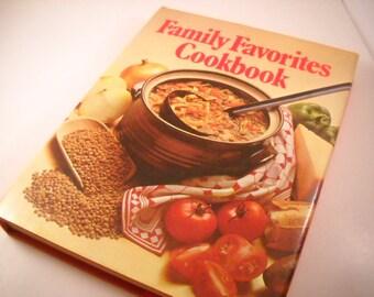 Vintage 1978 Cookbook Family Favorites