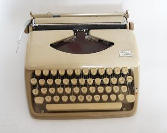 Sale - 25%off - Triumph Tippa Typewriter - Vintage Typewriter