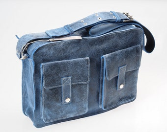 Moskú42 bag Leather messenger bag handmade