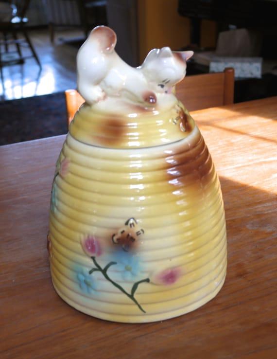 Vintage yellow american bisque beehive and by tracinggracearts - Beehive cookie jar ...