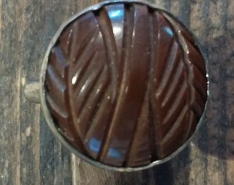 Carved Chocolate Bakelite set in new Sterling Silver Ring, Leaf or Feather Design, Size 7