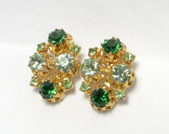 Vintage Swarovski Emerald green, Crystal earrings. Rhinestone earrings. Austria, Austrianclip ons
