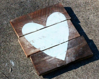 PALLET WOOD heart | handpainted | dark wood or natural | Made to Order | Gallery Wall | Wedding Baby Anniversary Birthday gift | Home DECOR
