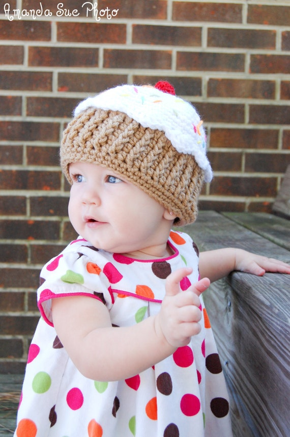 Cupcake Hat Pattern for Making a Crochet One Year Cupcake Hat
