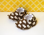 Elephants on parade baby booties - size 0-6 months