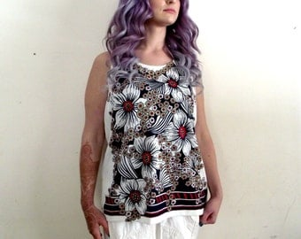 Floral 1970s Tank Top Large Blue Red and White DK Polyester
