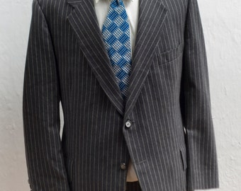 Men's Blazer / Vintage Dark Grey Pinstripe Jacket / Martinelli / Size 46  XL