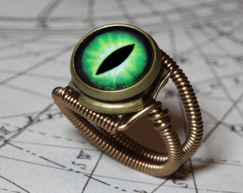 Eyeball ring, Green Eye, Dragon eye, Steampunk ring, Bronze, Lizard eyeball, Snake eye jewelry,  Catherinette Rings
