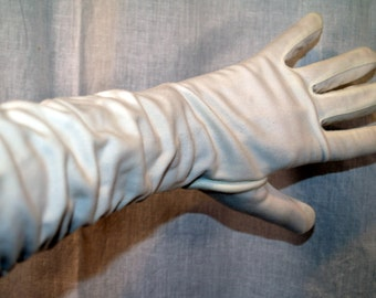 Vintage gloves ruched Creamy white Opera length