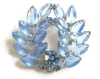 Vintage Juliana Style Shades of Blue Rhinestones Wreath Pin or Brooch