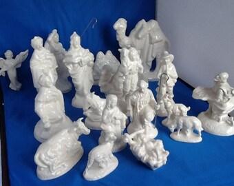 Christmas Nativity Set Ceramic Holiday Decor White Gloss Glaze 20 Pieces Copy