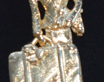 Fun Traveling Woman Brooch, Gold tone (F1)