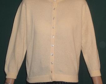 Creamy White Vintage Dalton Virgin Cashmere Sweater B42