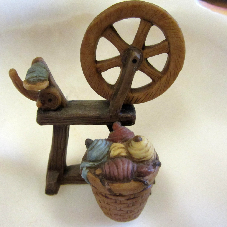 Mini porcelain spinning wheel figurine vintage for 3200 diamond eight terrace