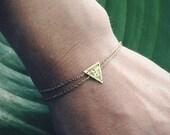 Double Wrap Triangle Symetrié Bracelet
