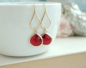 Ruby Red Gold Glass Dangle Earrings, Red and Gold Wedding. Valentine Day Red Gift, Red Winter Bridal Wedding, Bridesmaids Gift, Christmas