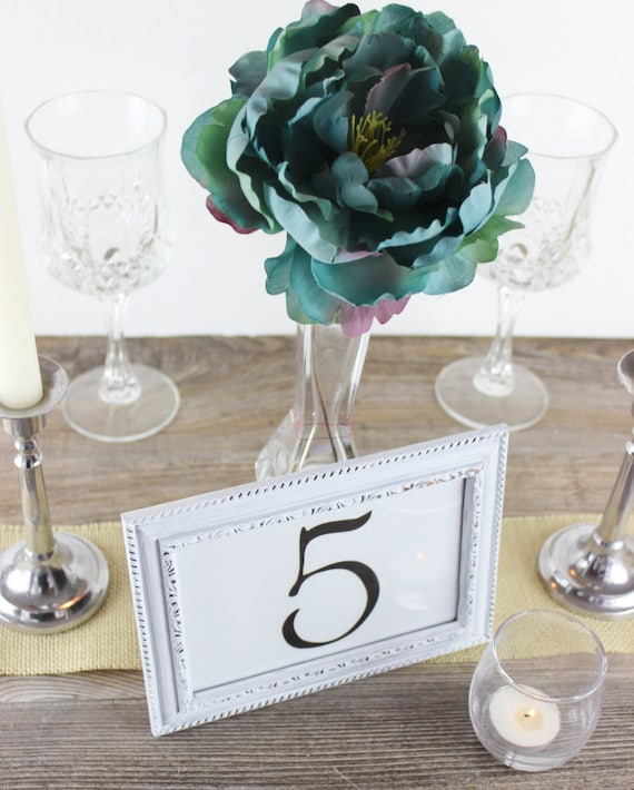 blanc cadre num ro de table mariage simple design en d tresse. Black Bedroom Furniture Sets. Home Design Ideas