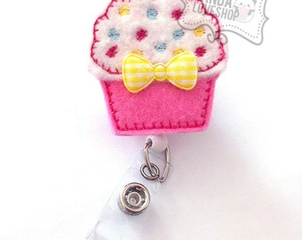 Cupcakes with Sprinkles Badge Holder, Feltie Badge, Felt Badge Clip, Nurse Badge Reel, Retractable Badge, RN Badge