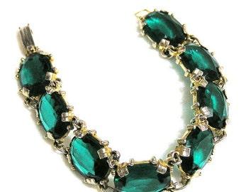 Pretty Emerald Green Glass Bracelet