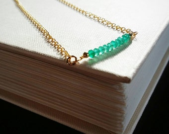 Gold Layering Necklace . Chrysophase Green Gemstone Gold Necklace . Dainty Gemstone Layered Jewelry . Wire Wrapped Gemstone Necklace