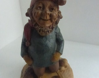 Vintage Cairn Studio Tom Clark Gnome Frosty Riding on a Sled Resigned