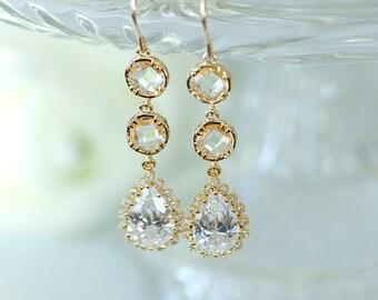 Long Peach earrings, peach crystal earrings, bridesmaid earrings, Nude Peach earrings, peach and gold, blush earrings, peach wedding