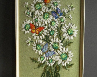 He Loves Me, He Loves Me Not II - Vintage Crewel Daisy Wall Art