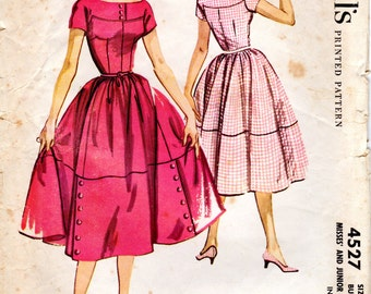 1950s Juniors Day Dress with Full Skirt - Vintage Pattern McCall's 4527 - Bust 31 1/2