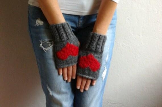 fingerlose handschuhe mit herzen graue handschuhe herz. Black Bedroom Furniture Sets. Home Design Ideas