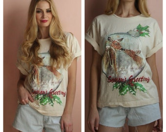 Christmas Tshirt / Deer Kissing Printed Seasons Greetings Ugly Christmas Top / Deadstock Nineties Cotton Tshirt