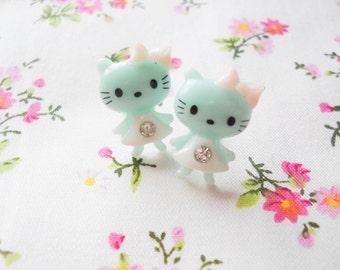 Kawaii Earrings, Kitty Earrings, Cat Earrings, Cute Earrings, Stud Earrings, Post Earrings, Girls Earrings, Teen Girl, Pastel