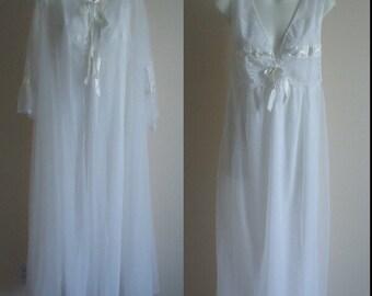 Vintage Peignoir, Vintage Peignoir Sets, 1970s Peignoir,  White Peignoir, Chiffon Peignoir Set, Wedding, Bridal, Romantic,