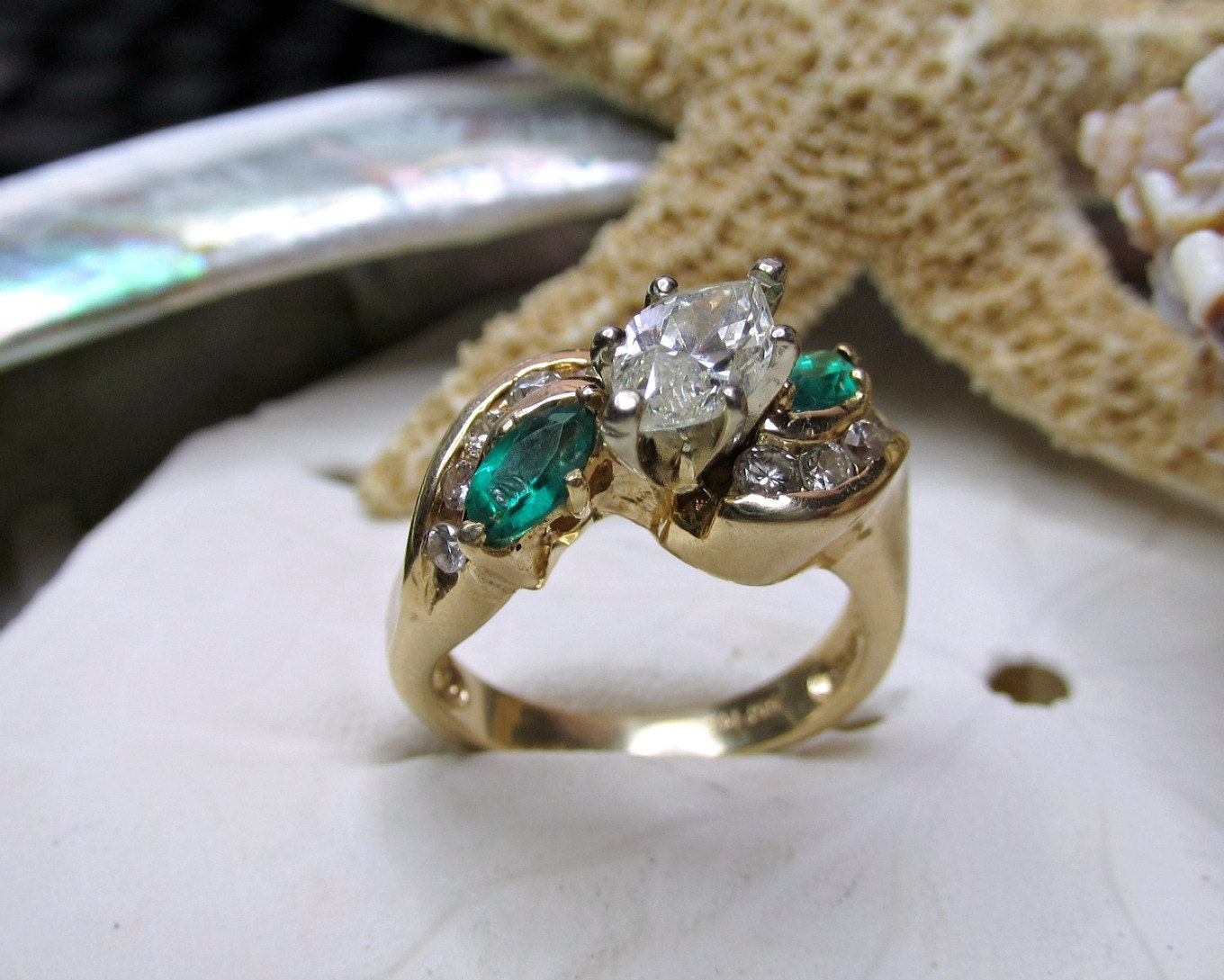 14k marquise and emerald ring 1 75ctw 6 75g size 6