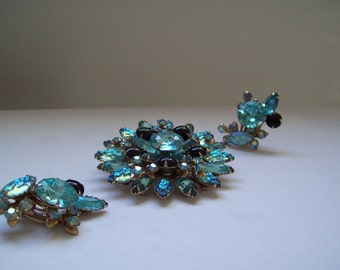 Vintage demi parure blue rhinestone brooch and clip up sweep earrings aurora borealis textured ice blue free shipping to USA