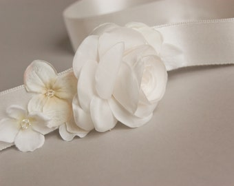 Ivory flowers wedding sash, Wedding dress sash, Sash for wedding dress, Wedding gown sashes, Bridal belt