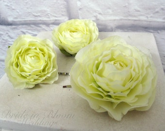 Wedding hair accessories Cream ranunculus bobby pins set of 3 Bridal hair flowers