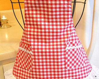 Little Girl's Retro Style Apron in Red Checks and Eyelet Lace MADE TO ORDER